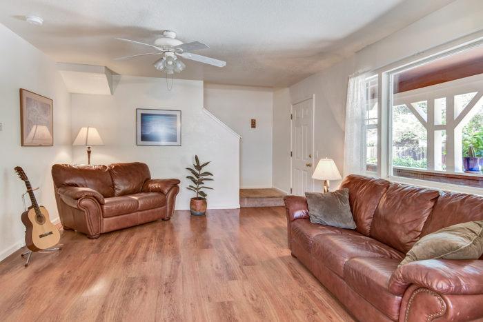 living room-004