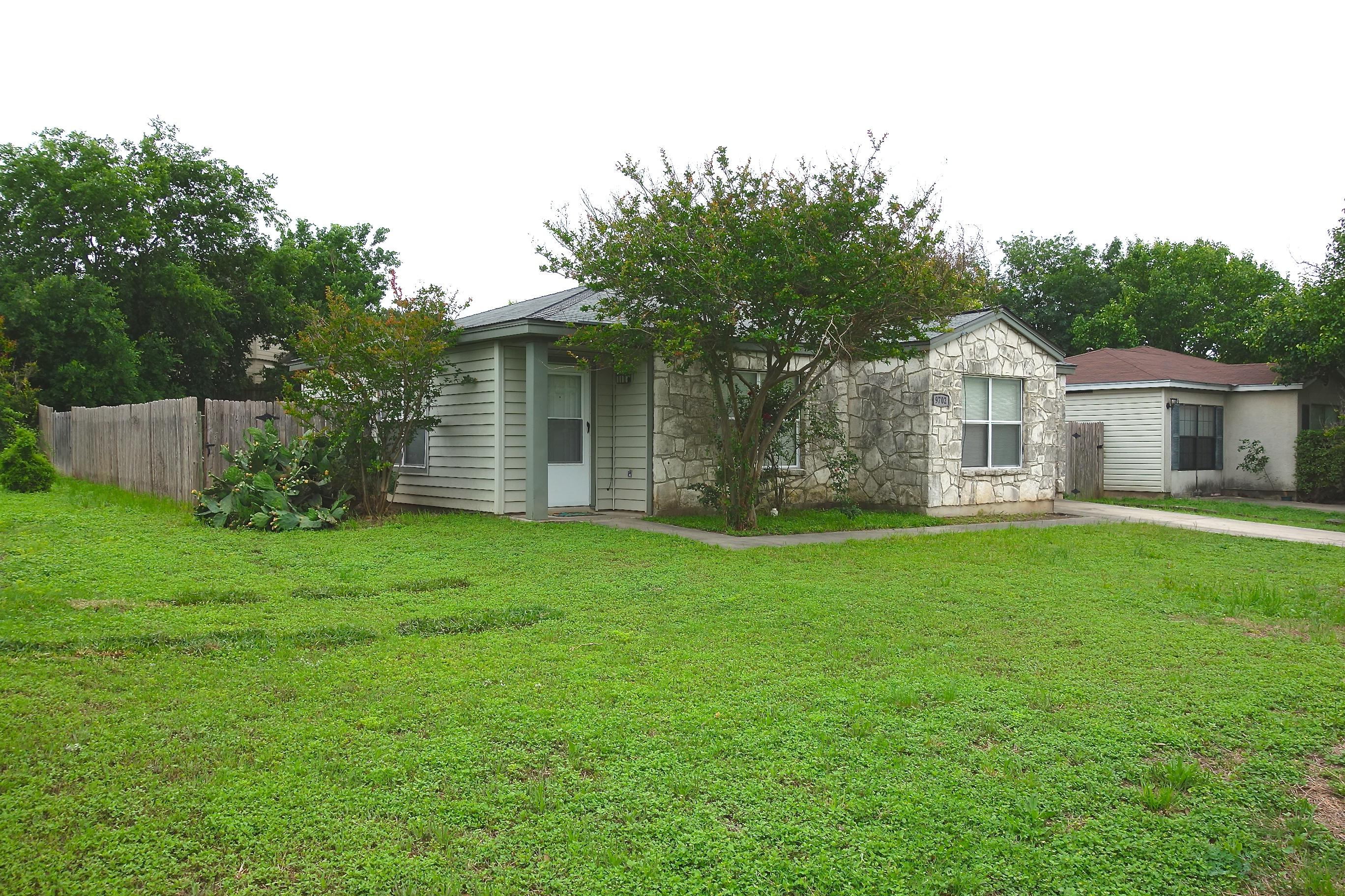 9702 Hidden Iron St, San Antonio, Tx 78250