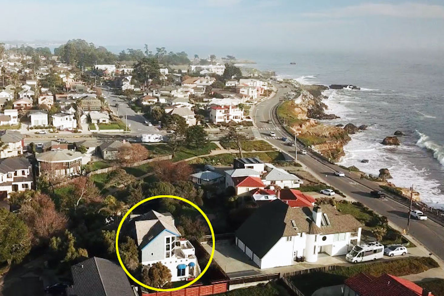 127 bethany curve - close up aerial