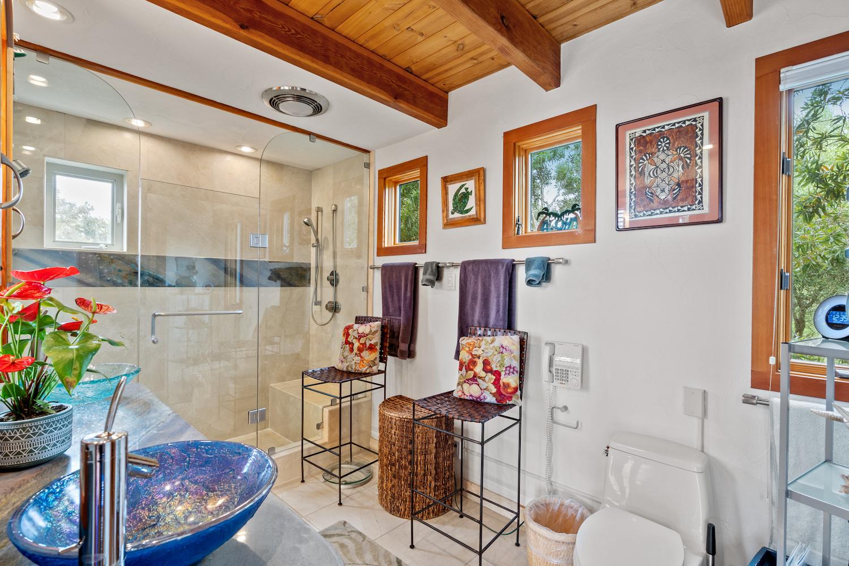 127 bethany curve - master bathroom