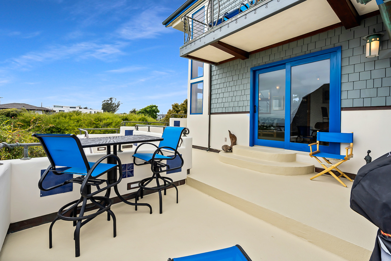 127 bethany curve - second floor patio