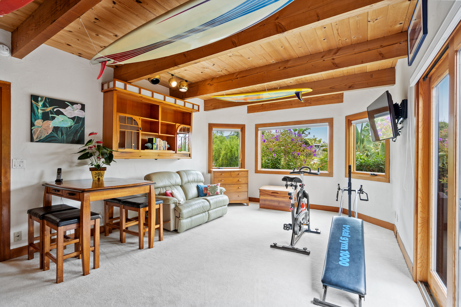 127 bethany curve - exercise room