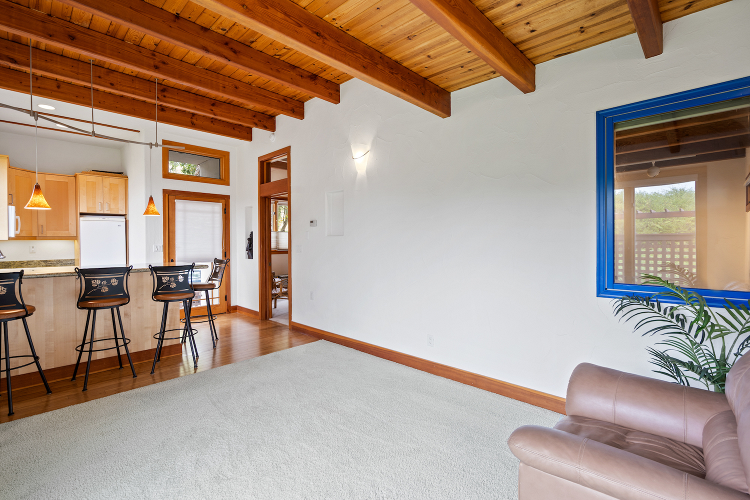 127 bethany curve - living space