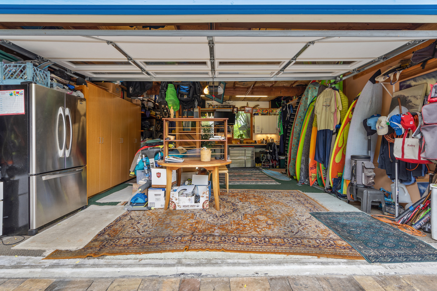 127 bethany curve - garage space/man cave
