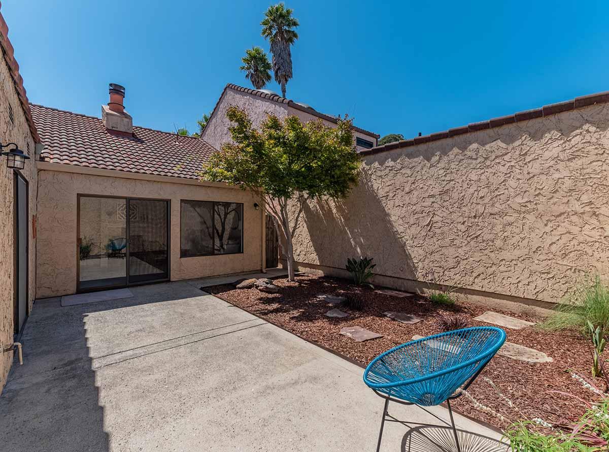 backyard of santa cruz home for sale