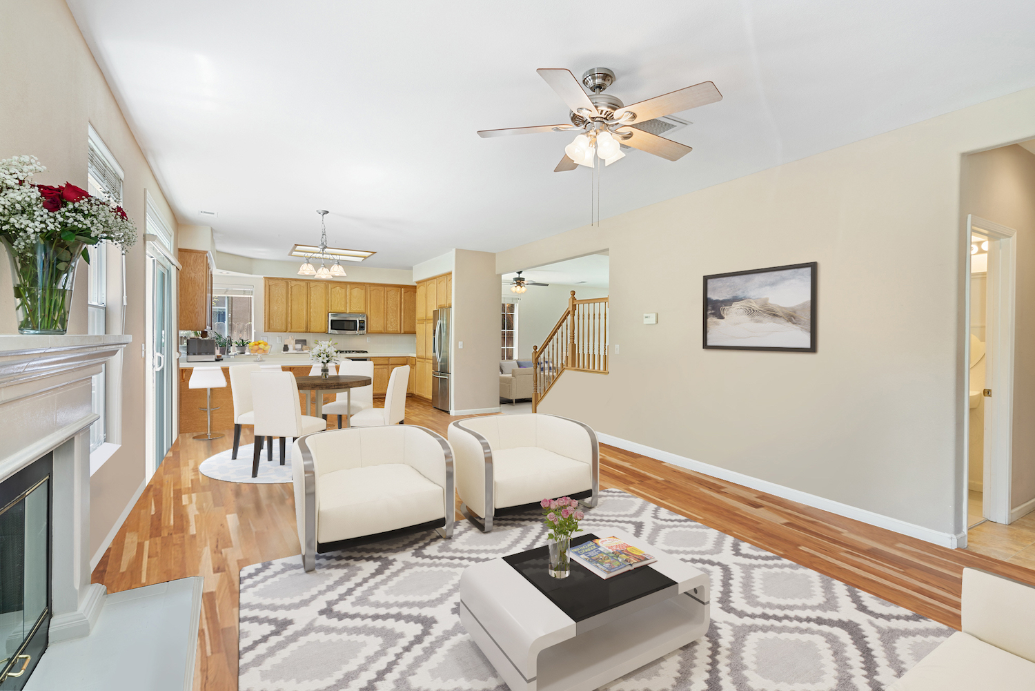 2241 glenview dr - living space furnished