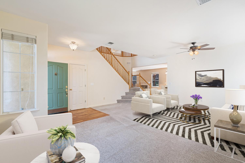 2241 glenview dr - living room furnished