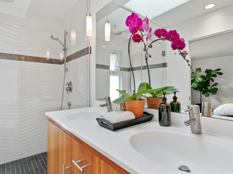 239 ross street santa cruz - master bathroom