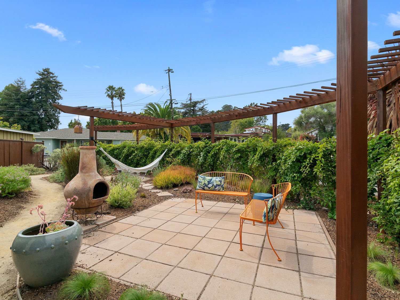 239 ross street santa cruz - frontyard