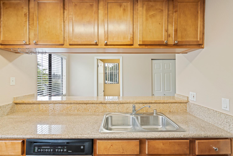 41 grandview street - kitchen