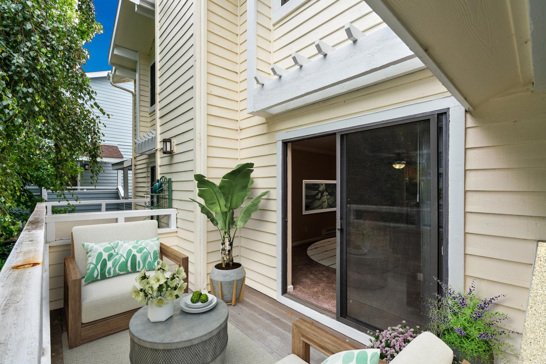 41 grandview street - patio furnished