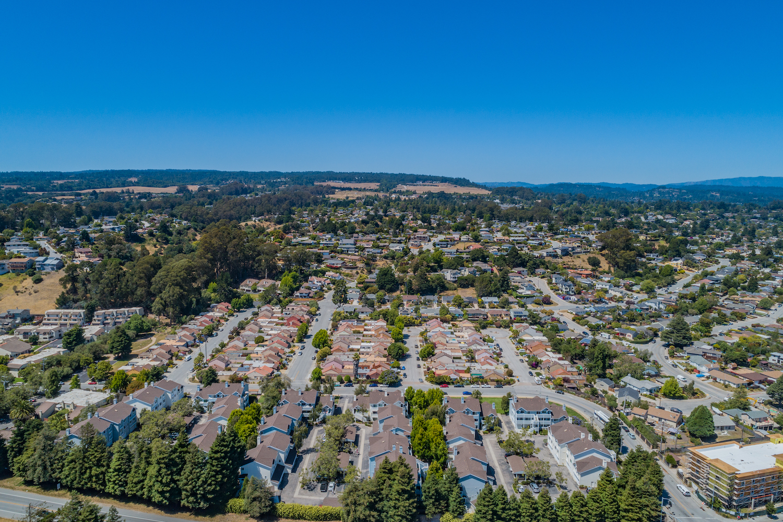 41 grandview street - aerial view of nieghborhood