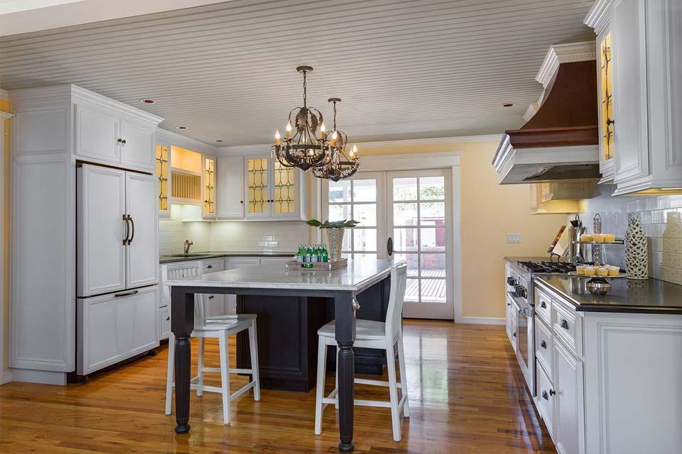 santa cruz home with modern kitchen