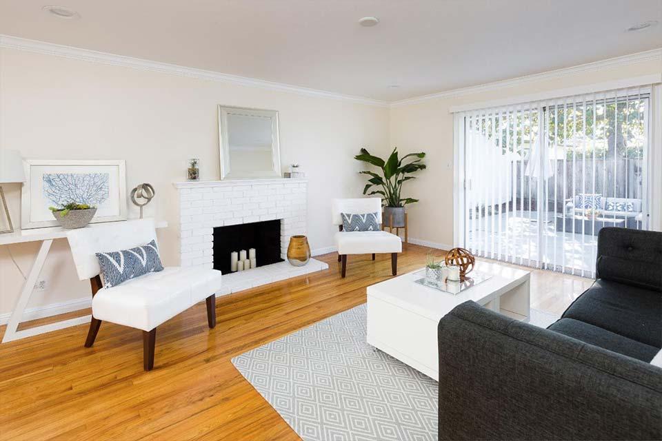 santa cruz home with large living room