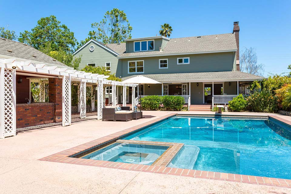 santa cruz home with pool