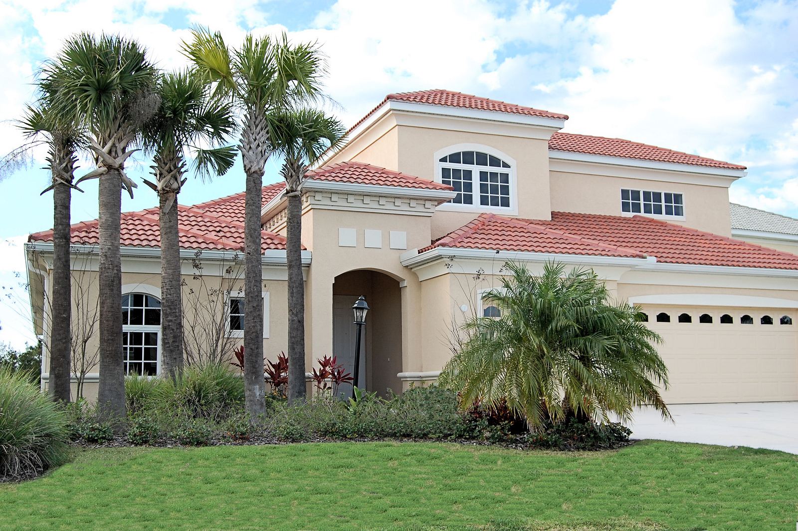 Search Lakewood Ranch homes and Lakewood Ranch real estate.