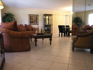 4410 Little John - Living Room