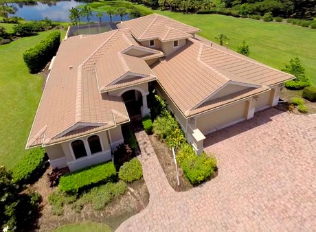 Front High view of 3566 Founders Club Dr, Sarasota, FL