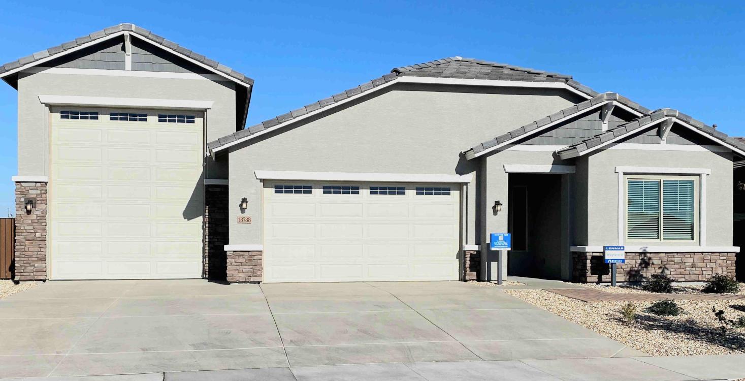 Glendale RV Garage Homes For Sale