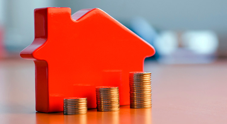 Home Mortgage Rates are Helping people move or refinance - When is it worth refinancing or selling?