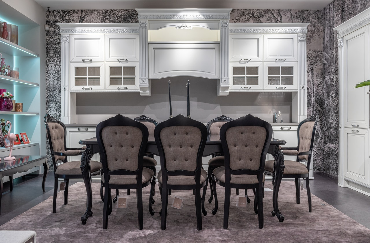picture of a formal dining room
