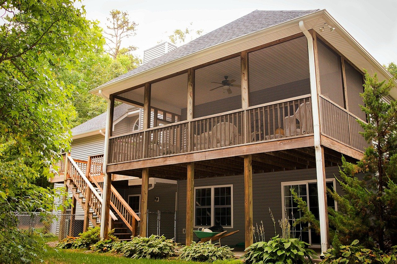 homes for sale with a screened in porch