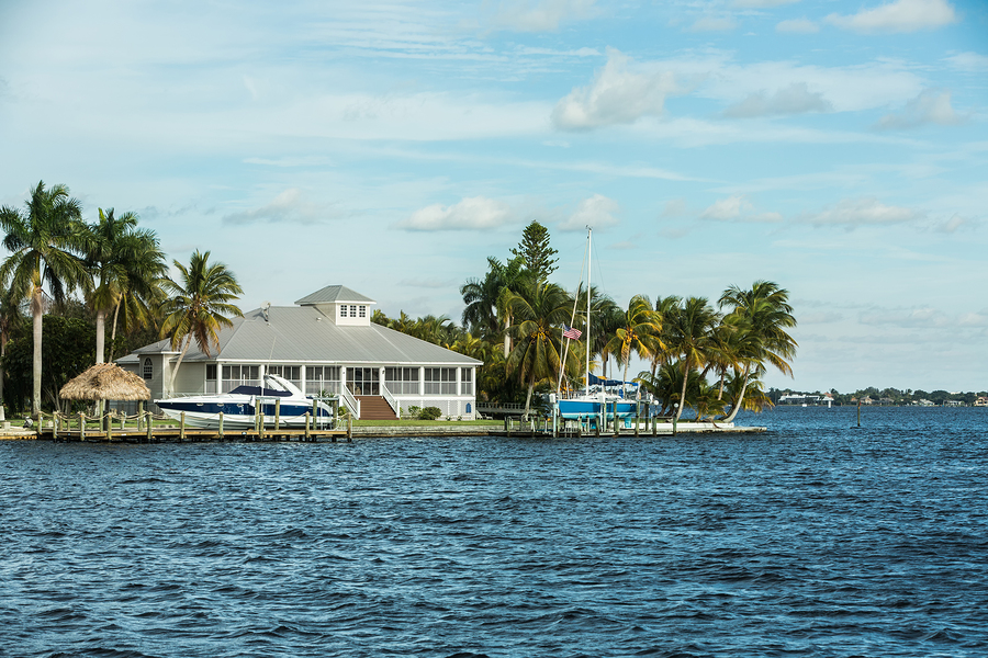 Cape Coral waterfront homes are perfect for people who love boating.