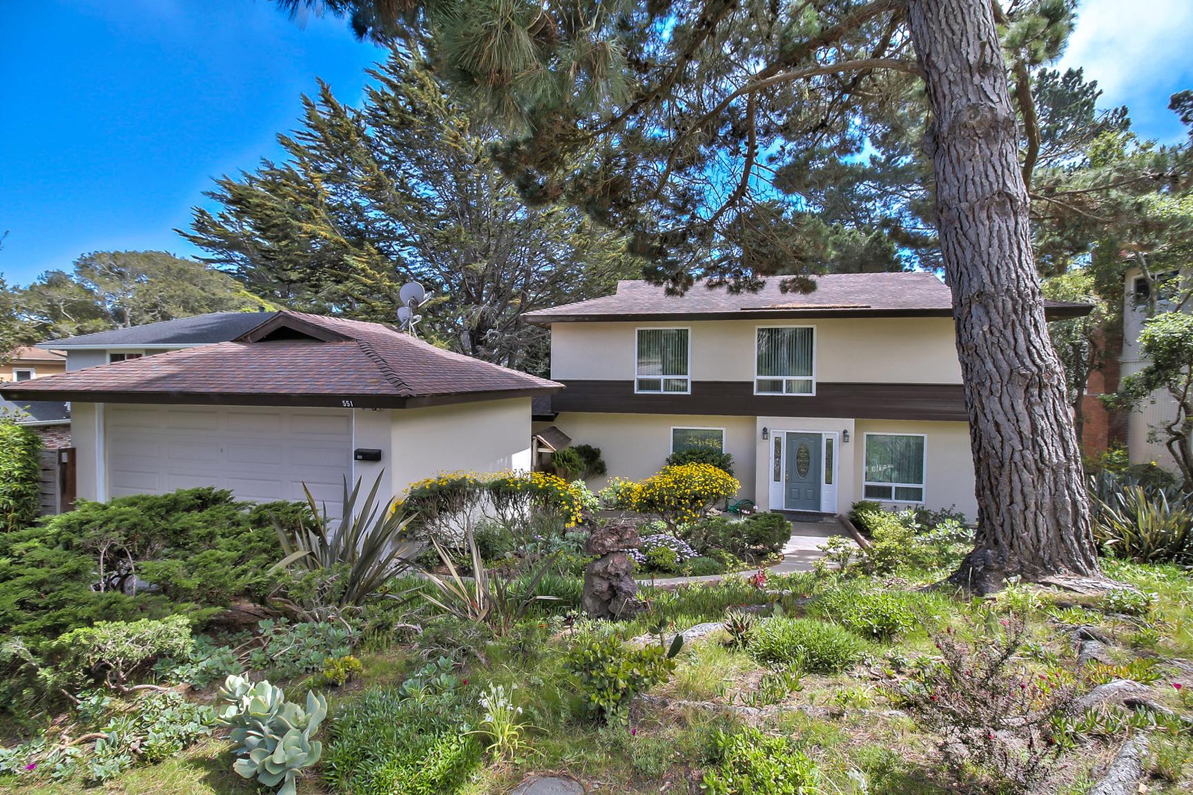 551 Dry Creek Road Monterey, CA exterior picture