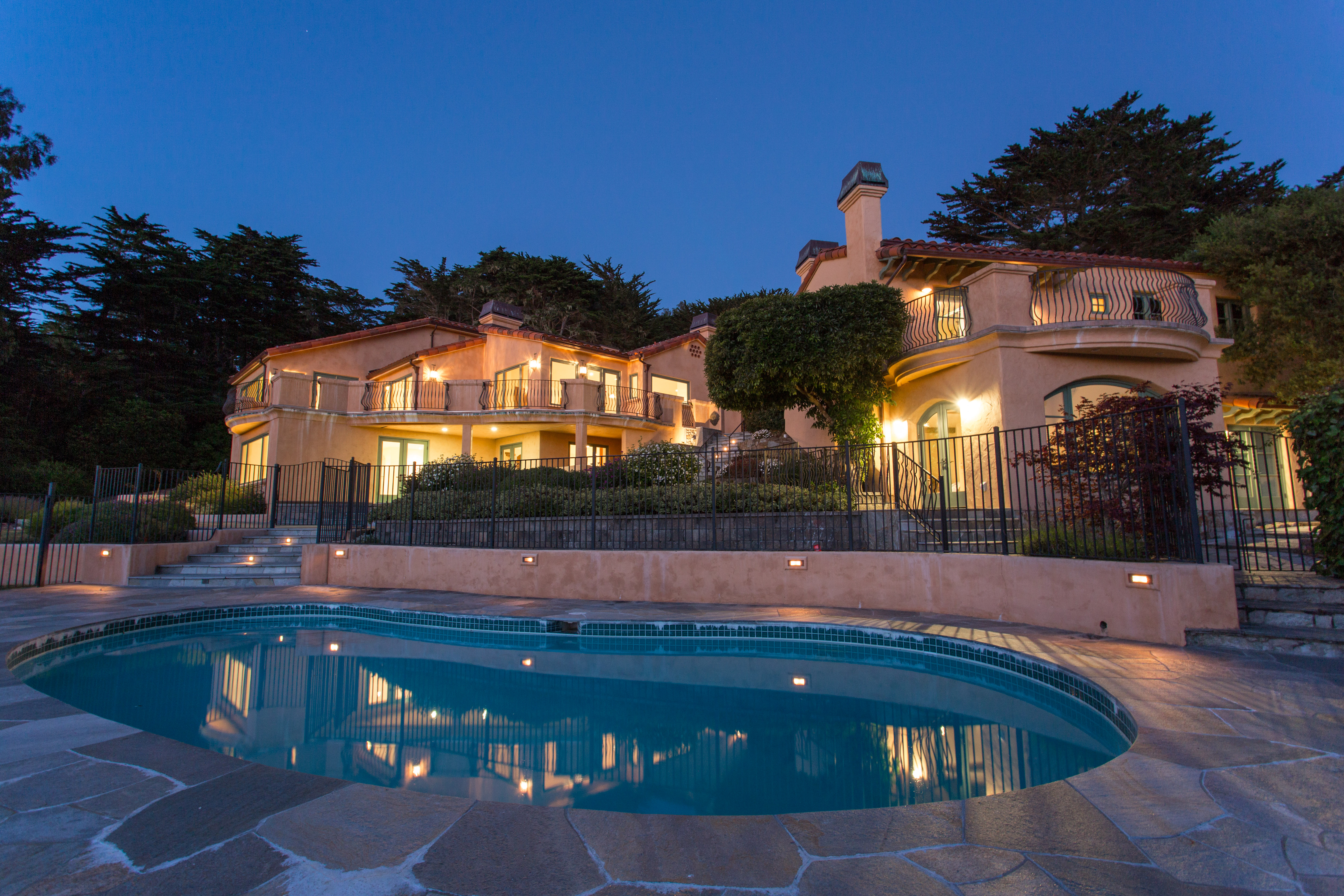 Carmel Highlands Resort Like retreat