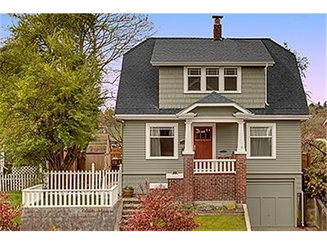 Seattle craftsman homes craftsman houses for sale for Craftsman house for sale