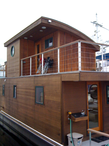 seattle houseboats and floating homes strong 2009 sales. Black Bedroom Furniture Sets. Home Design Ideas