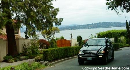 Eastside waterfront homes - Bellevue, Seattle