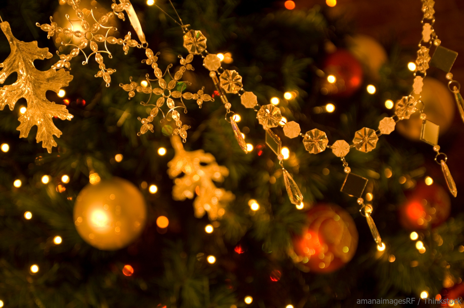 Christmas Tree Decorations Used During Holiday Home Staging