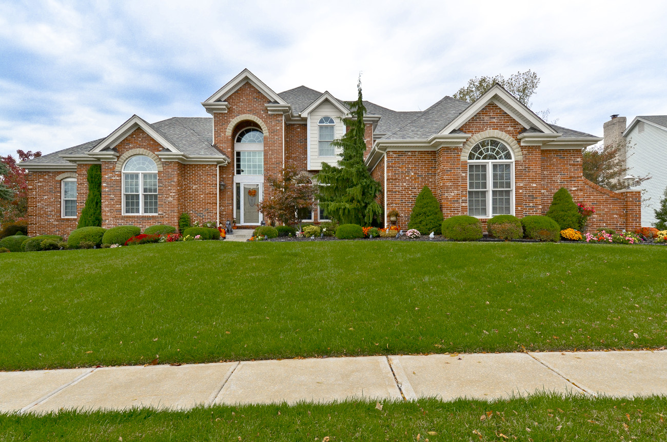 1315 Eaglewinds Chesterfield MO is for sale