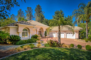 Custom Home in the Tierra Oaks gated golf community, Redding CA