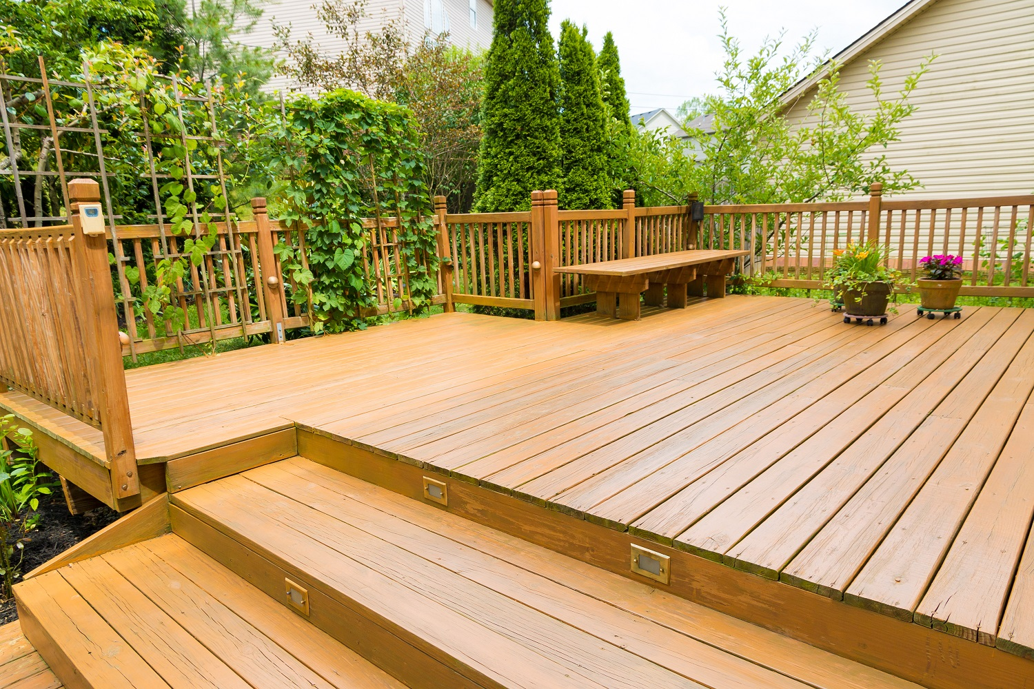 What to Look for on a Deck  - Lakewood Homes for Sale