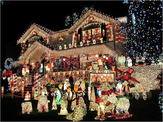 Christmas light display so if you need to get yourself in the christmas spirit see this list of some of the most spectacular christmas light displays around town solutioingenieria Choice Image