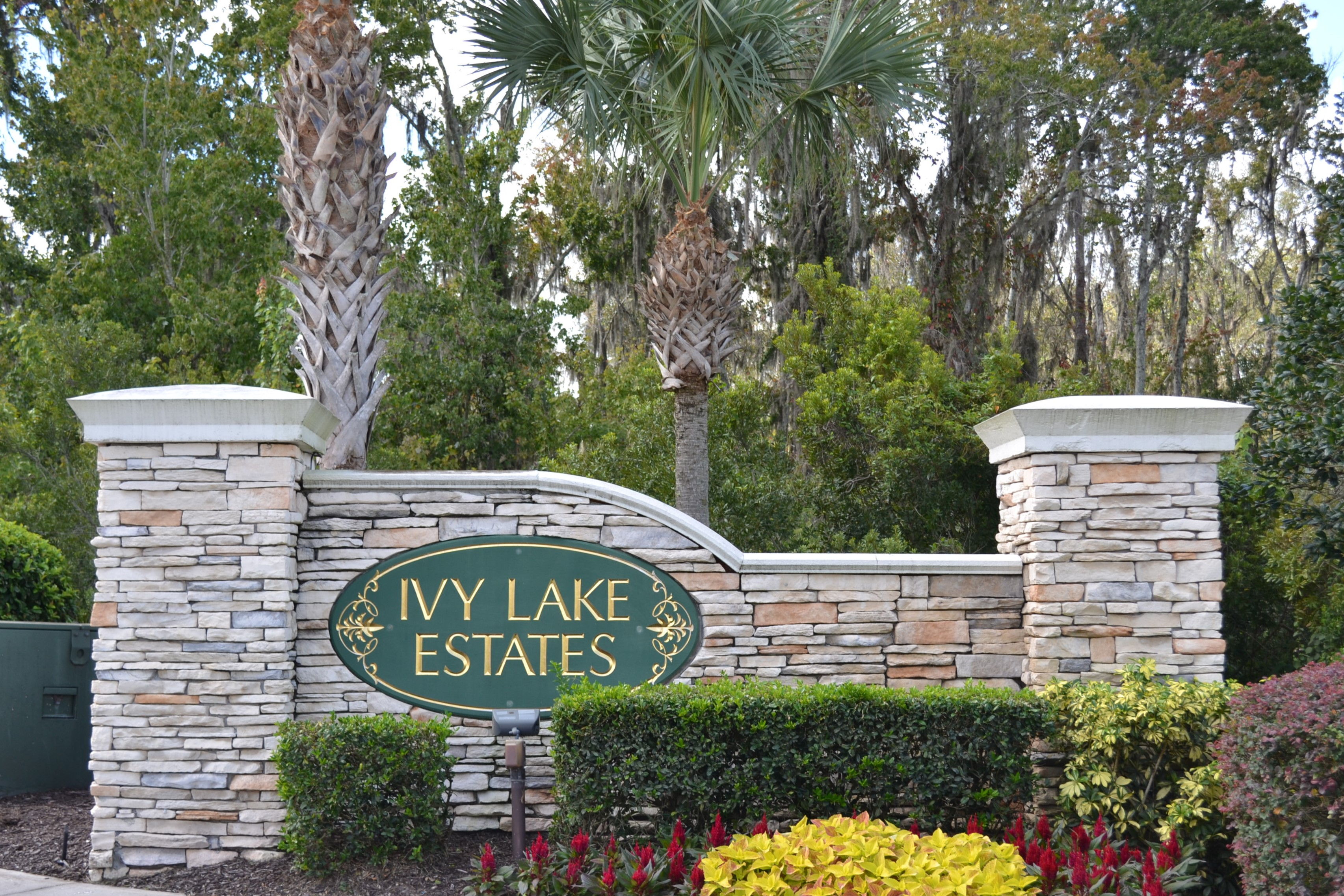 Ivy Lake Estates entry sign