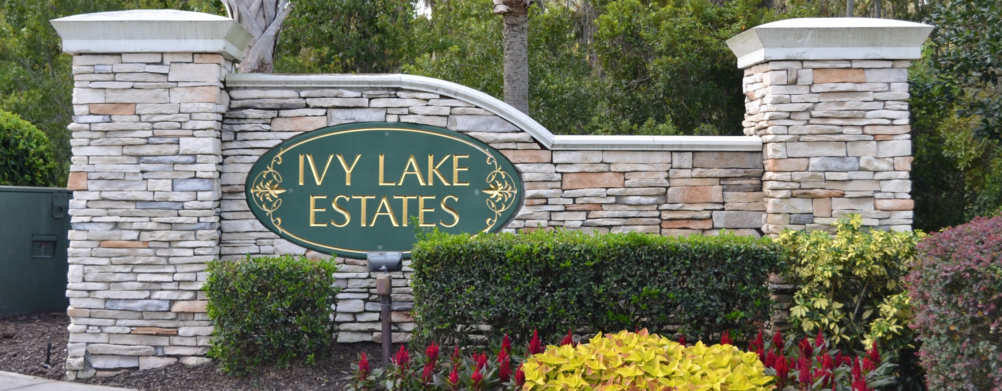 Ivy Lakes Estates entry sign