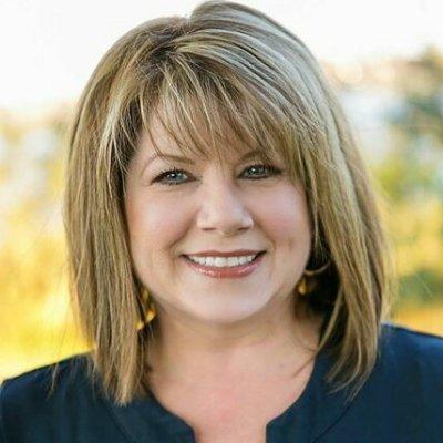 Kelly DeCarlucci, Tampa Real Estate Agent | Dalton Wade | TampaHomeSearcher.com