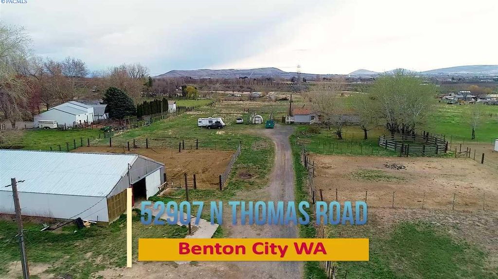 Views of Red Mountain and Horse Heaven Hills | Benton City Wa.