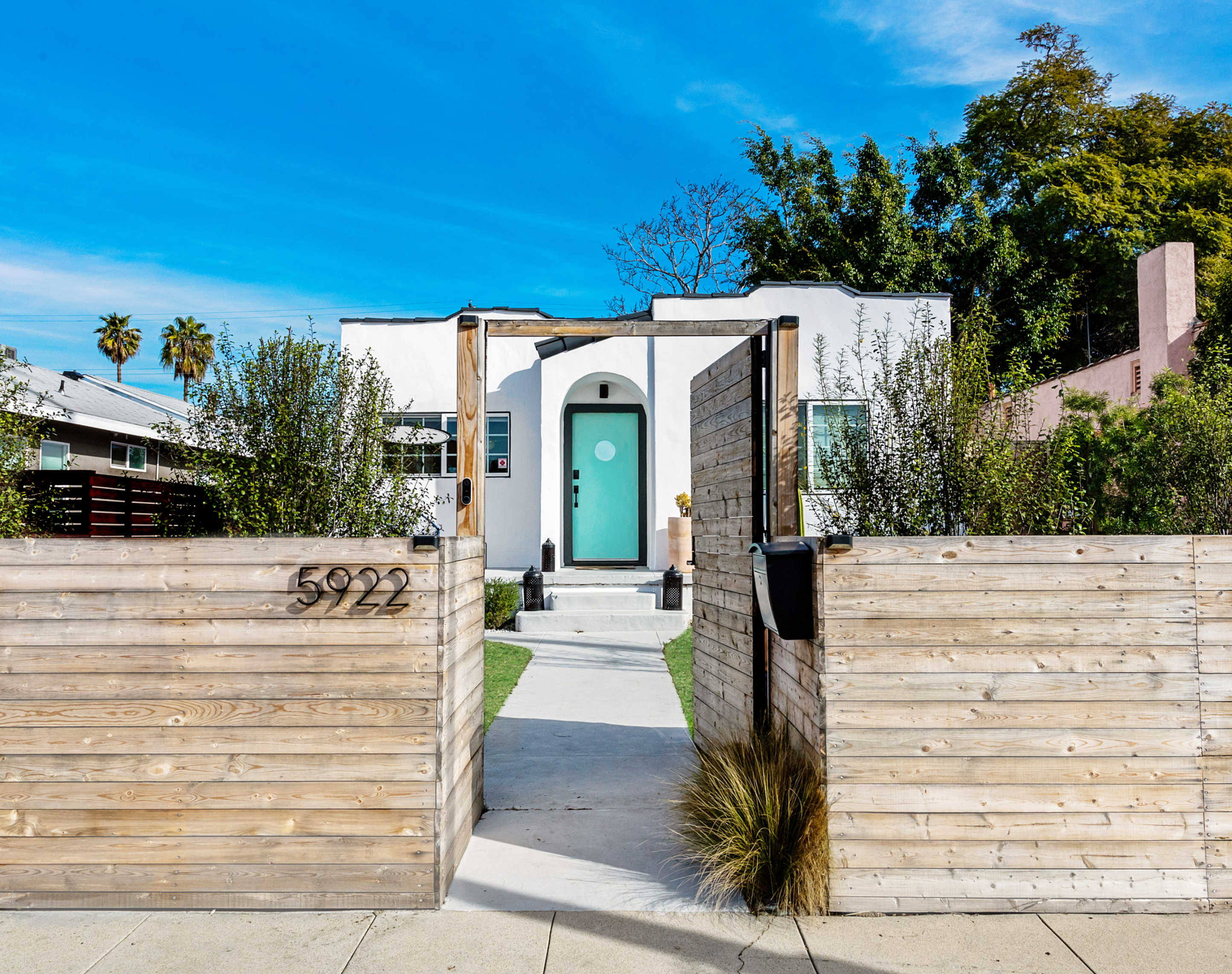 Modern Spanish Bungalow For 600000 In Los Angeles