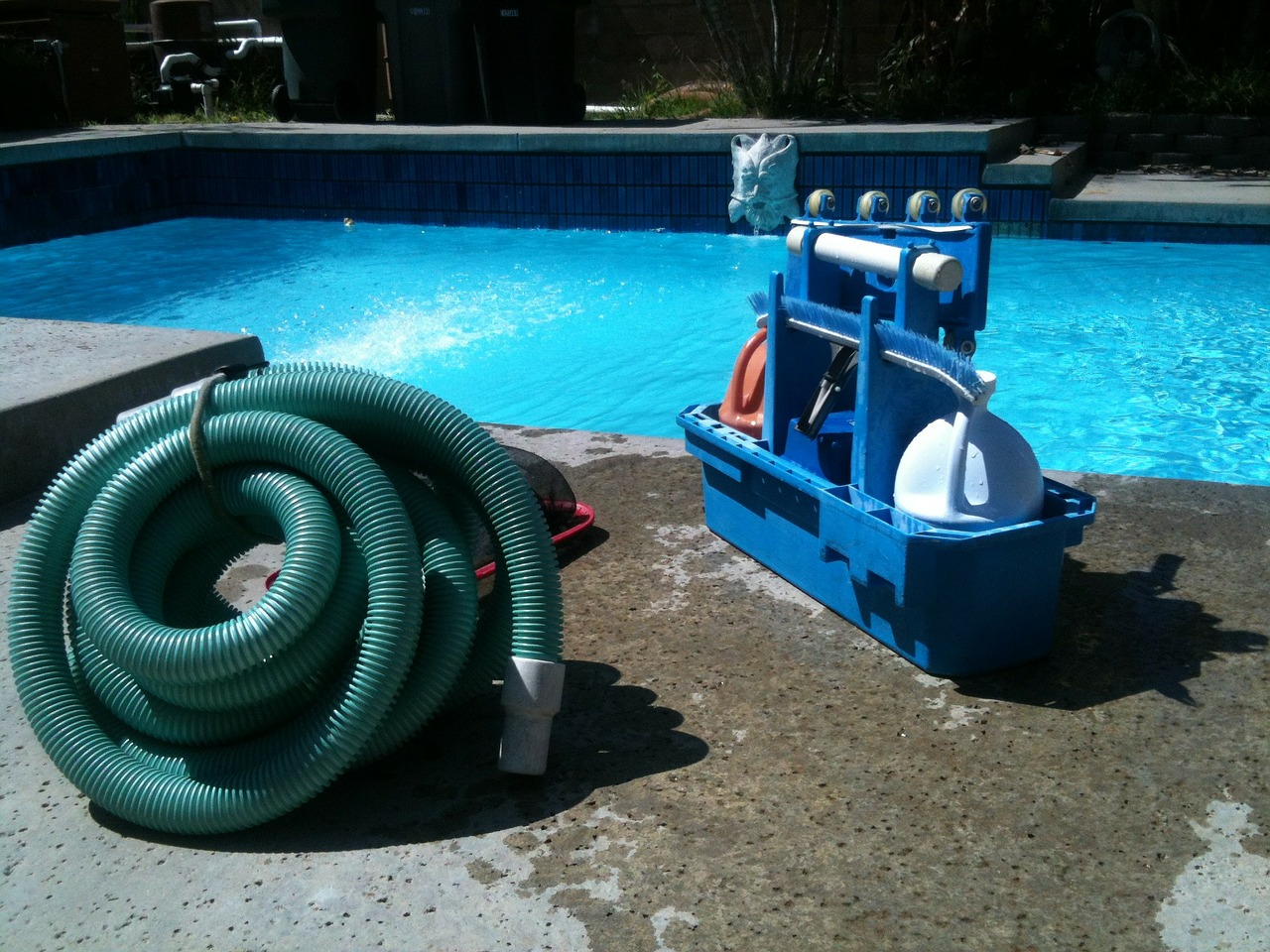 How to Maintain a Pool in AZ