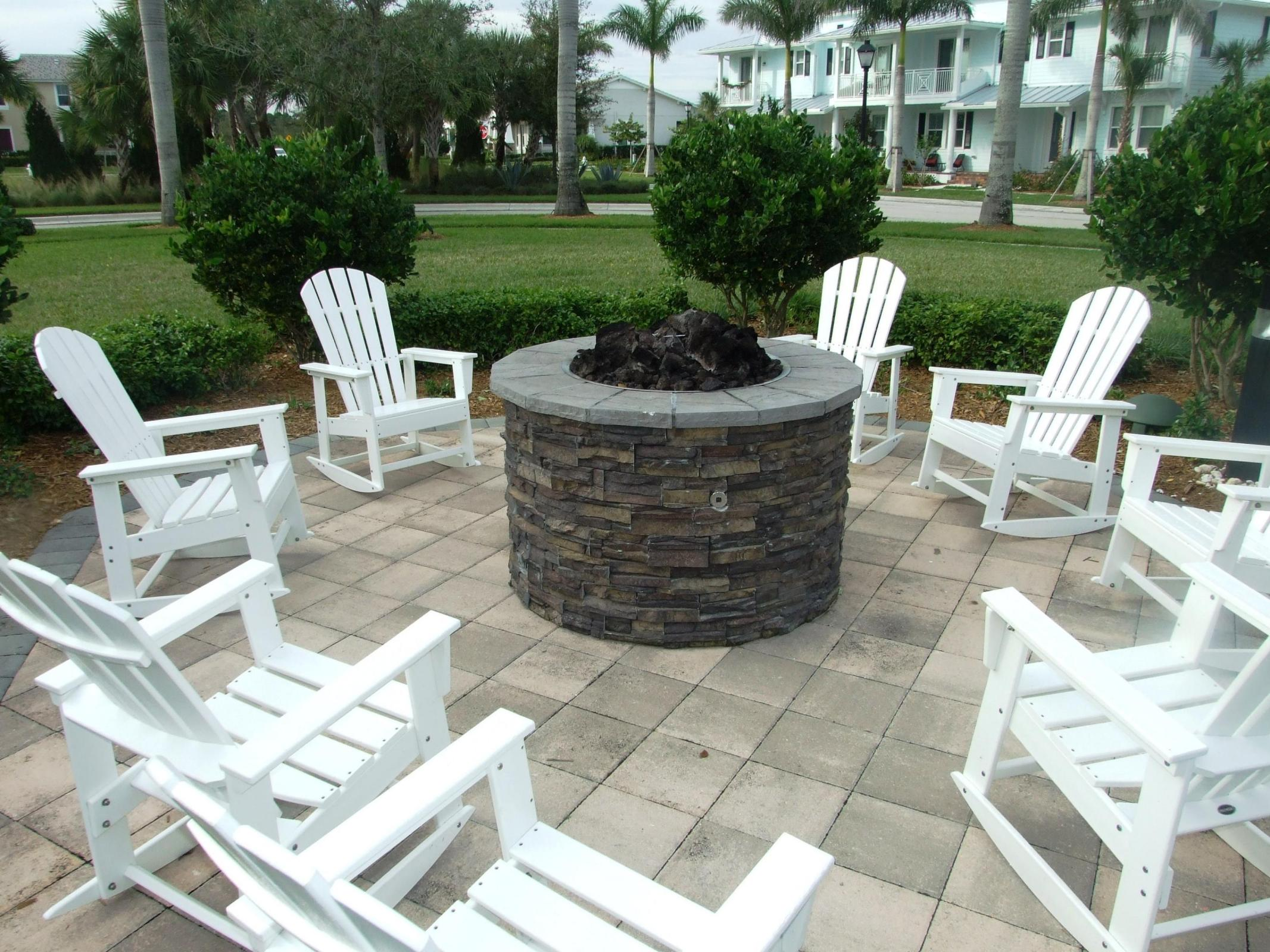Windsor Park at Abacoa Patio TheShattowGroup