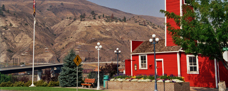 5 Perks of Living in a Small Town