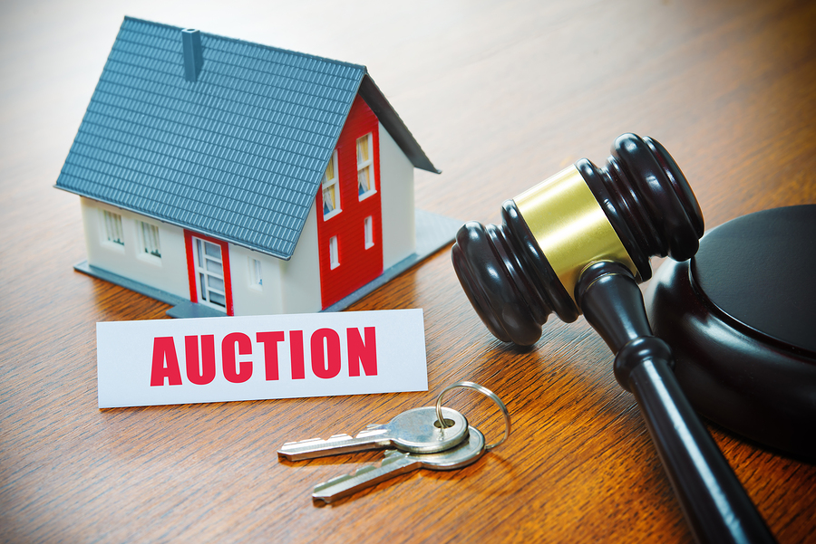 Know the pros and cons of buying a foreclosed Clay home.
