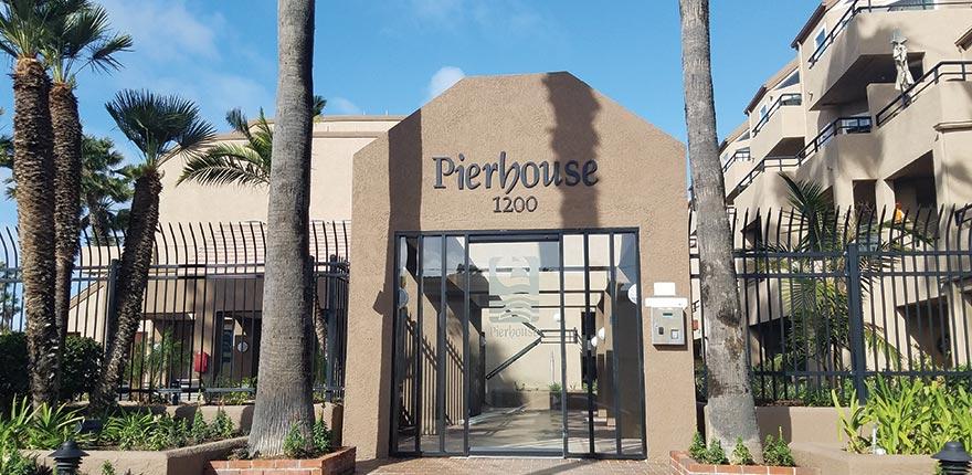 pierhouse huntington beach entrance
