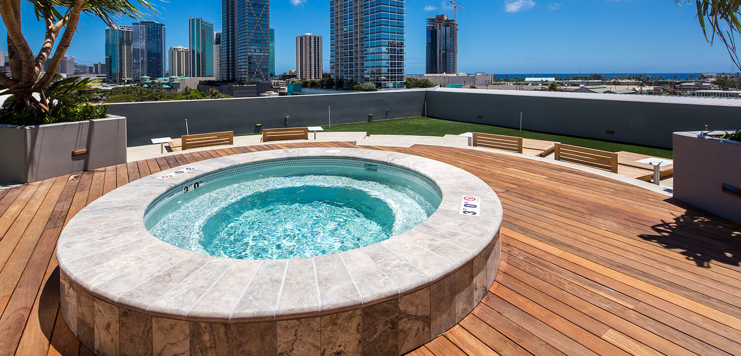 Symphony Honolulu hot tub