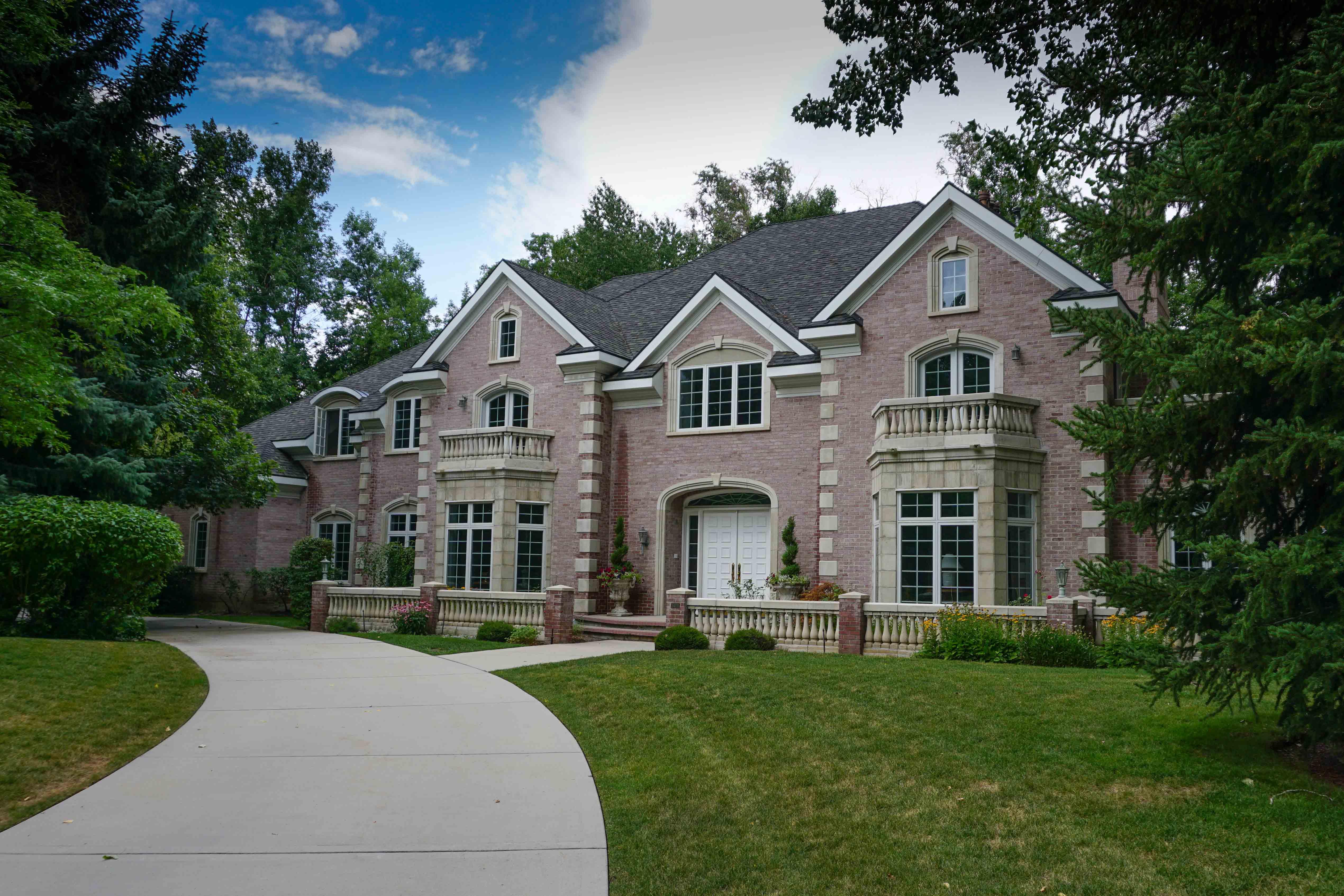 Million dollar real estate in holladay utah for 100000 dollar house