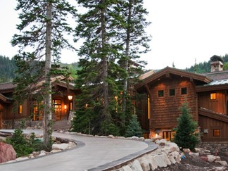 Luxury home in Summit Park